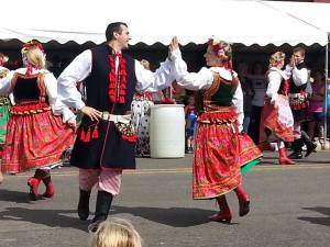The Polish dancers presented a lively and colorful show.